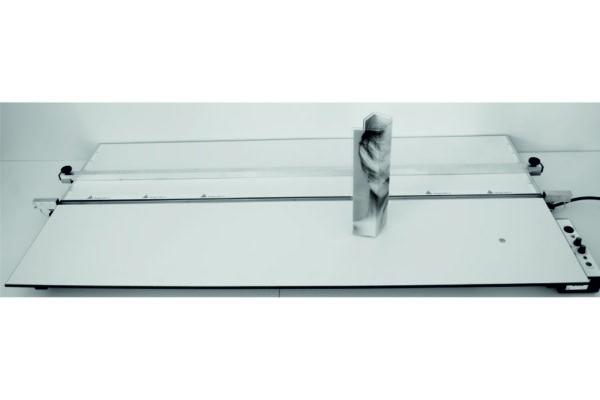 Máquina dobladora de materialeMáquina dobladora de materiales plásticoss plásticos